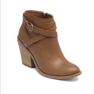 Lucky Brand Tan Belted Booties